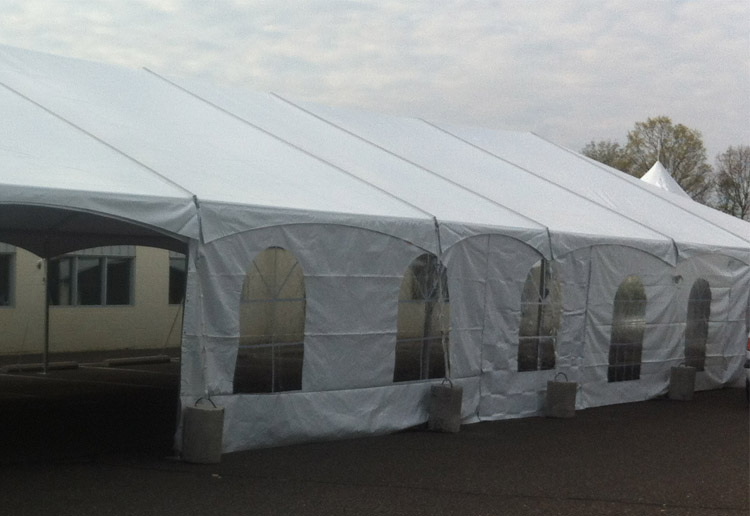 Windowed sidewalls for tents